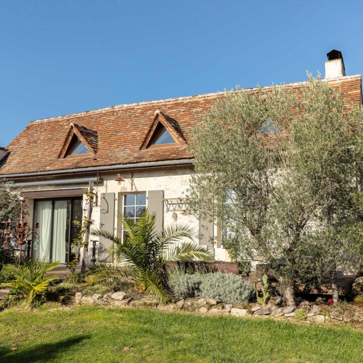 Vakantiehuis in Frankrijk met rood pannendak