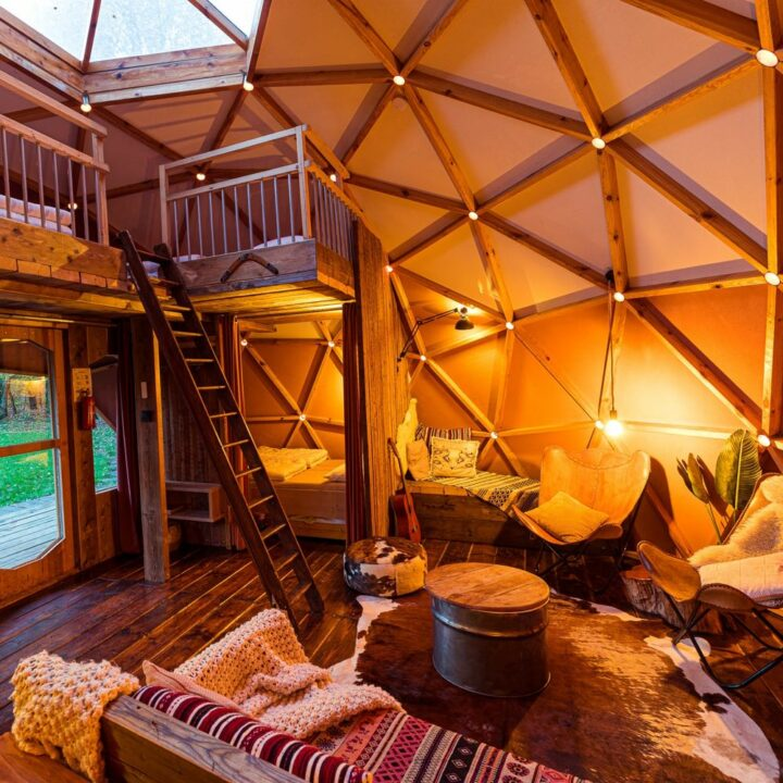 Dome tent in Drenthe