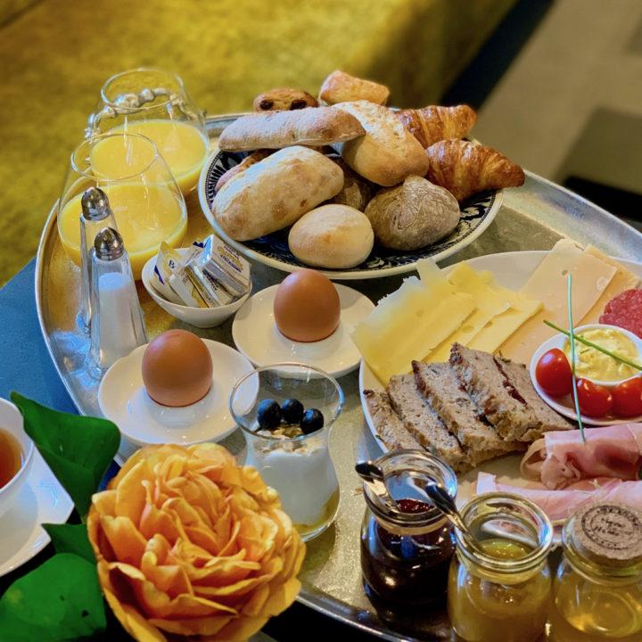 Uitgebreid ontbijt bij boutique hotel