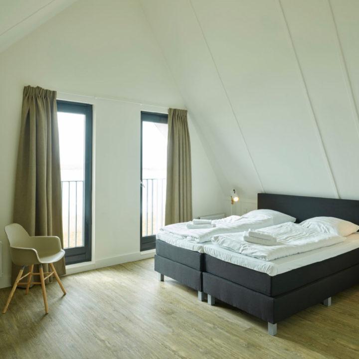 Slaapkamer van een luxe villa