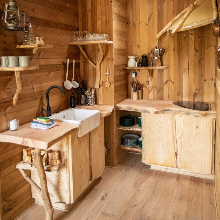 Keukentje in het hobbit huisje in België