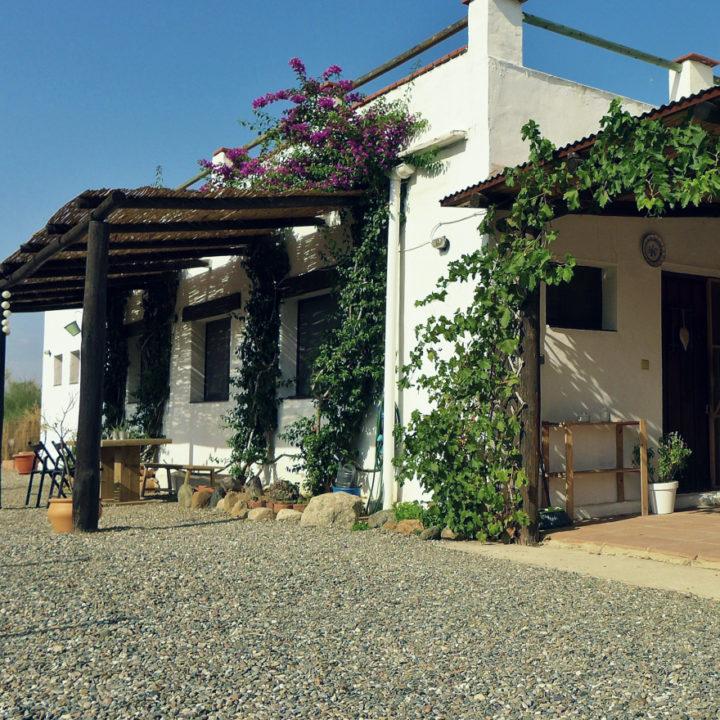 Wit authentiek Spaans huis met B&B