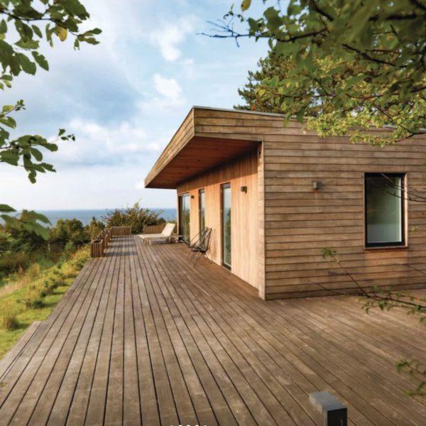 Strak vormgegeven vakantiehuis aan zee