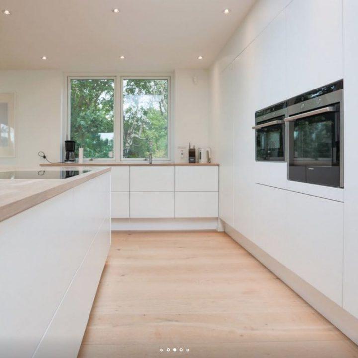 Hypermoderne keuken in het wit