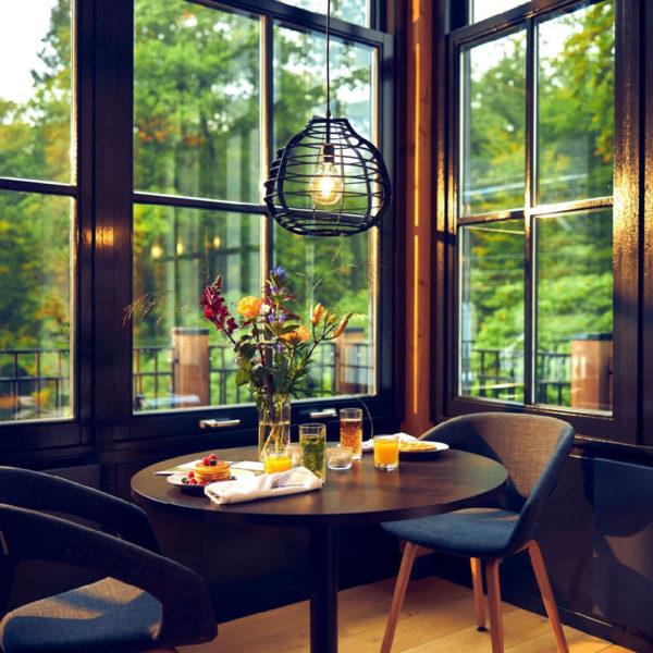 Ontbijt in de serre van een hotel op de Veluwe