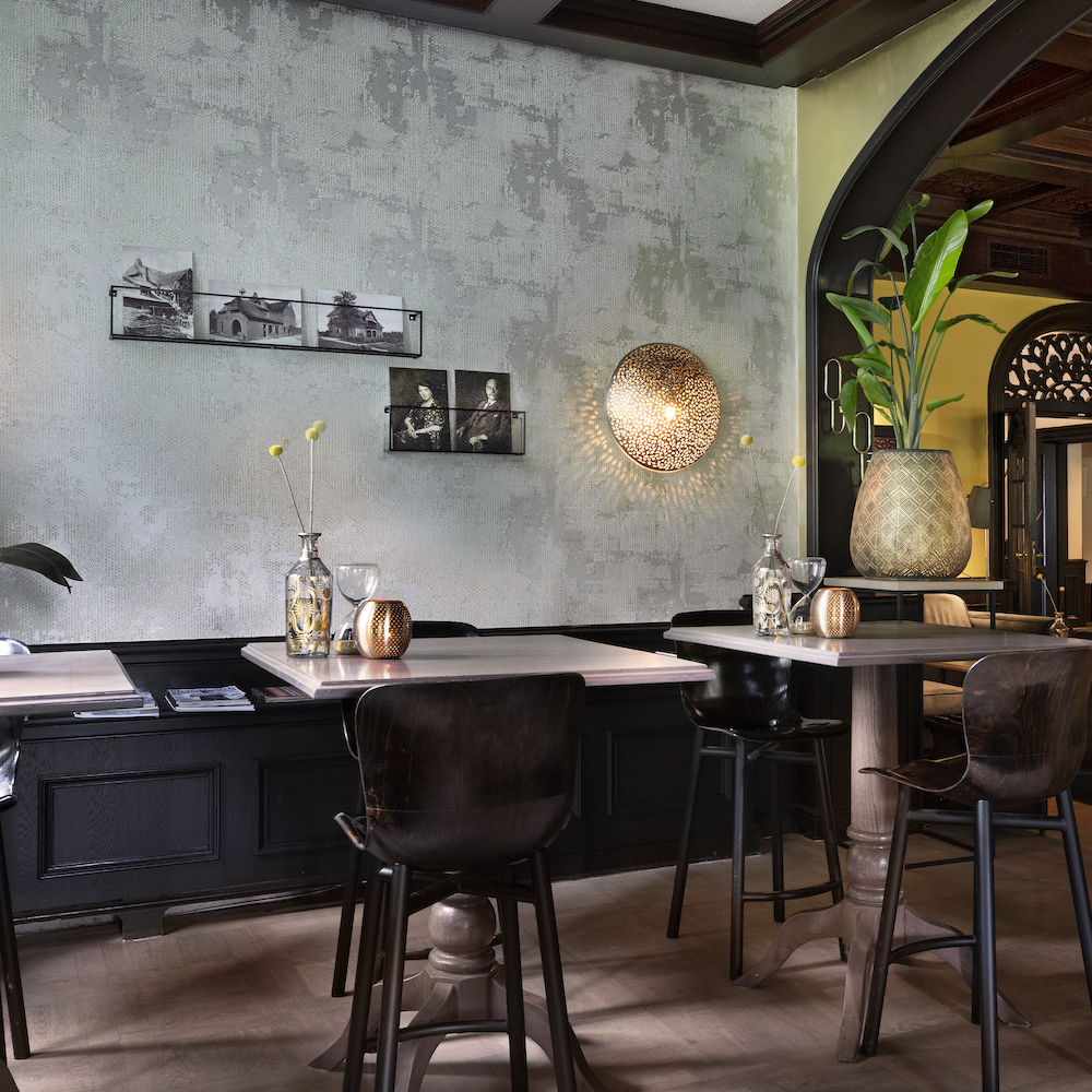 Modern interieur van een hotelrestaurant in Twente