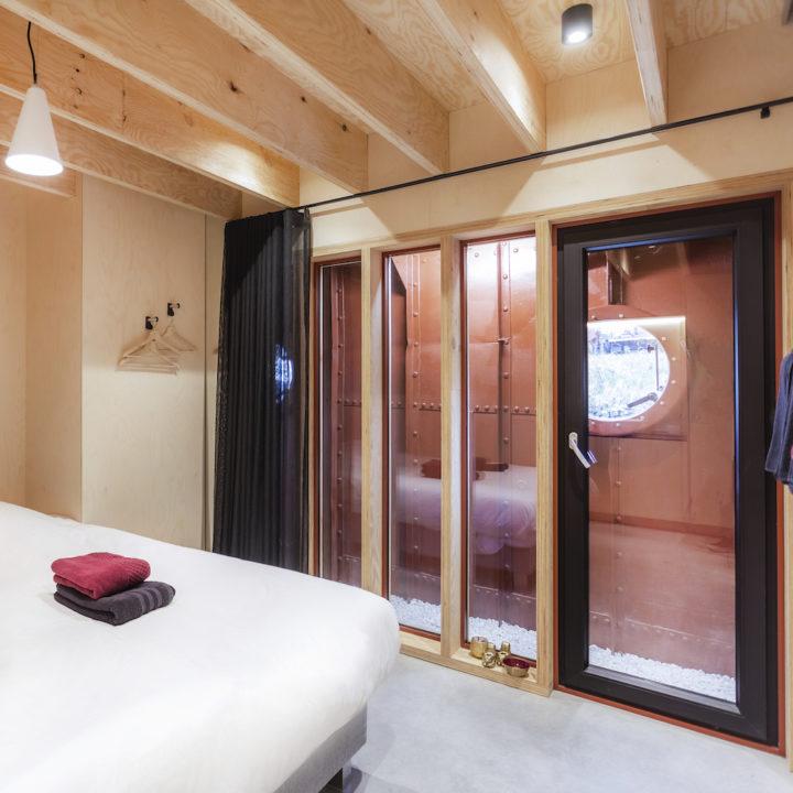 Modern vakantiehuis aan boord van een schip