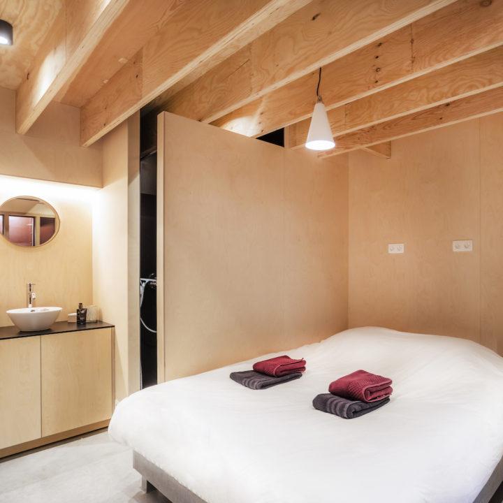 Tweepersoons slaapkamer aan boord van het vakantiehuis