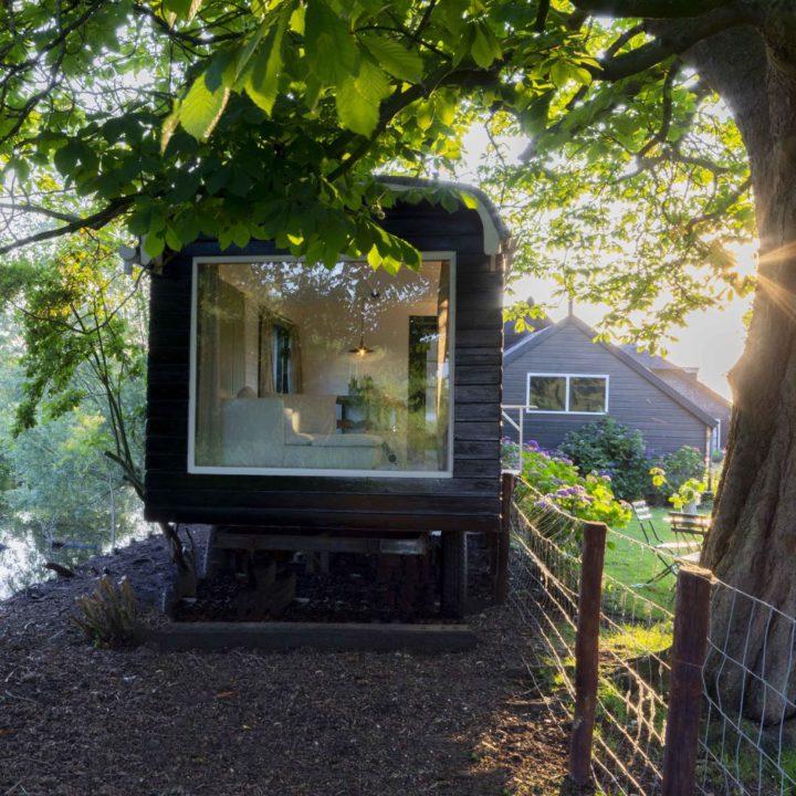 Luxe Tiny House in de vorm van een woonwagen