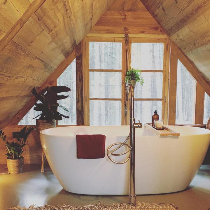 Bad in een boomhut, voor een romantisch weekendje weg