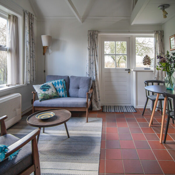 Zithoek van het 2-persoons vakantiehuis in Giethoorn