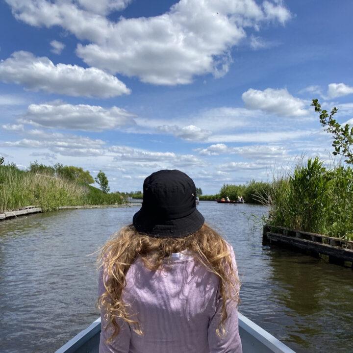 Met een fluisterboot varen bij Giethoorn