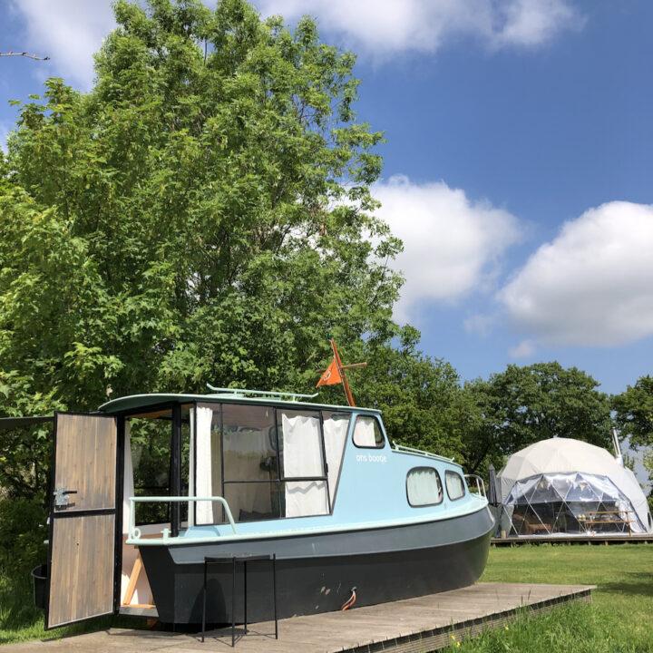 Slapen op een bootje, glamping in Groesbeek voor een leuk weekendje weg