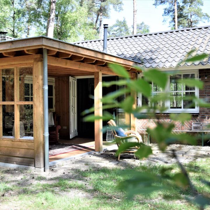 Luxe veranda bij het vakantiehuis in Twente