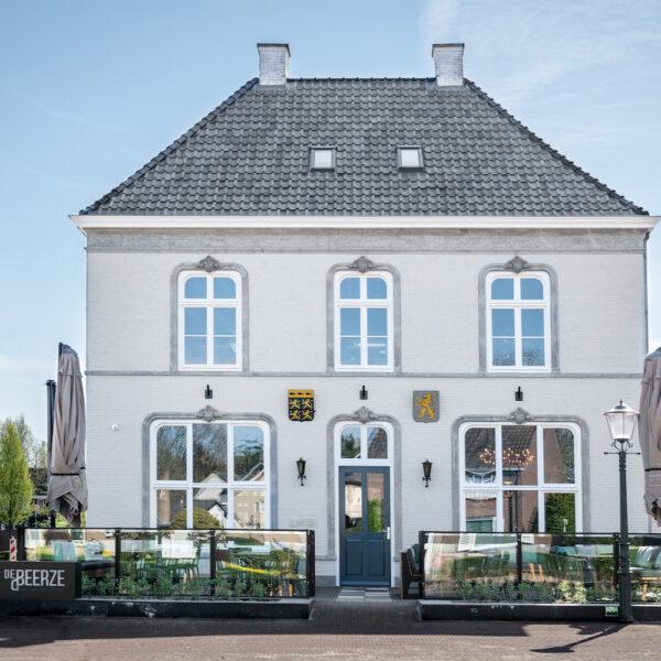 Het karakteristieke pand van Hotel de Beerze in Brabant