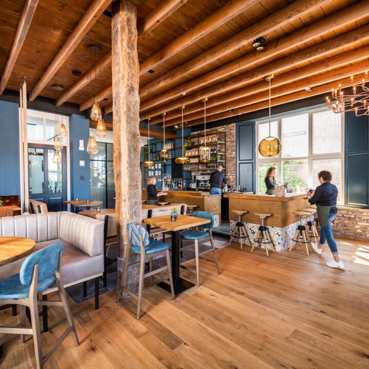Brasserie met modern interieur bij Hotel de Beerze in Brabant