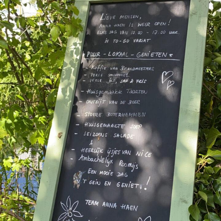 Krijtbord met het menu van de dag