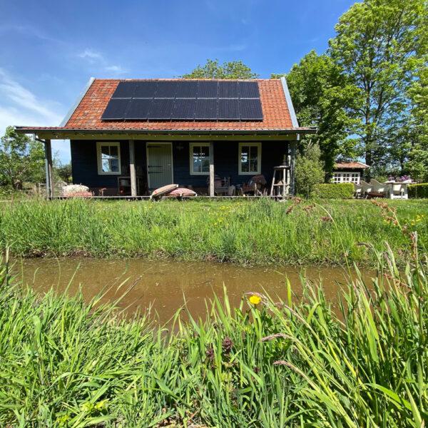Het mooie huisje van Atelier Vert op een bijzonder plekje voor een weekendje weg