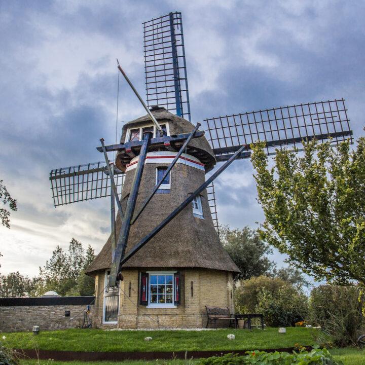 Vakantiehuisje voor twee personen in een molen in Friesland