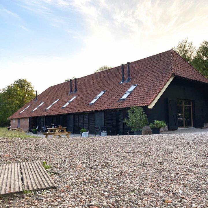 Schuur met vakantiewoningen in Twente