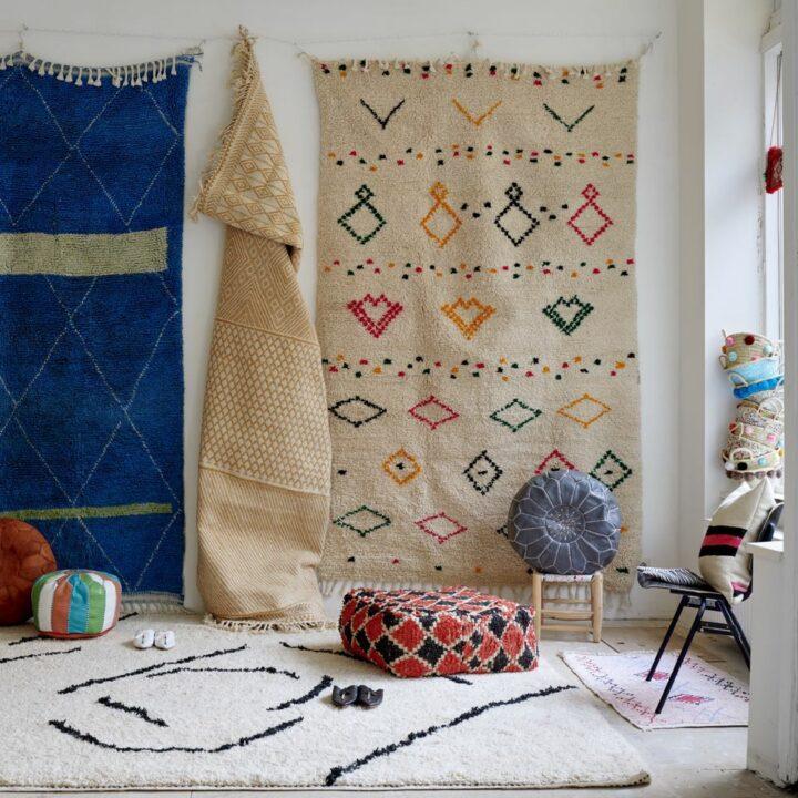 Marokkaanse kleden in een shop in Amsterdam