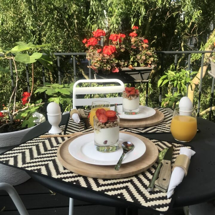 Ontbijt op het balkon van de B&B