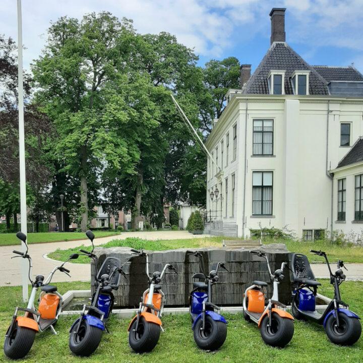e-scooters bij een landhuis in Hillegom