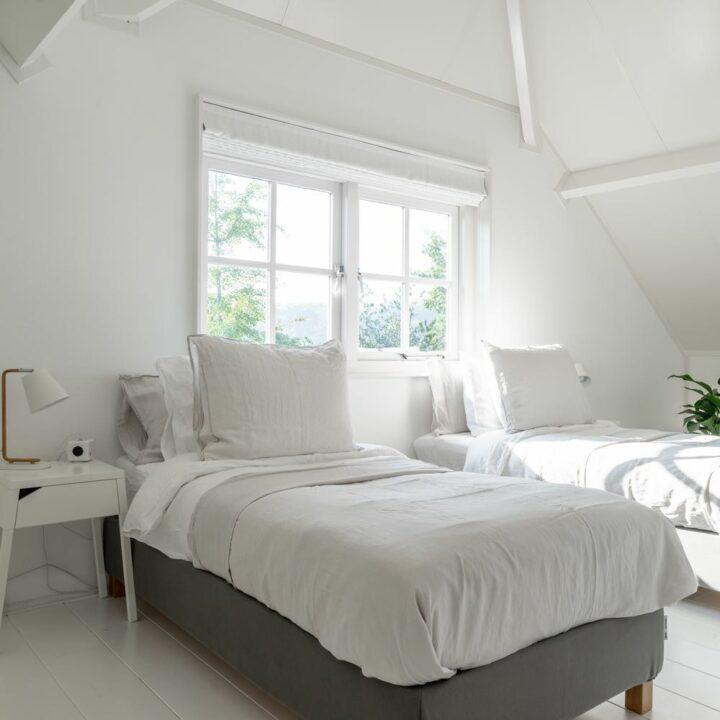Lichte slaapkamer in het luxe vakantiehuis in het Vechtdal