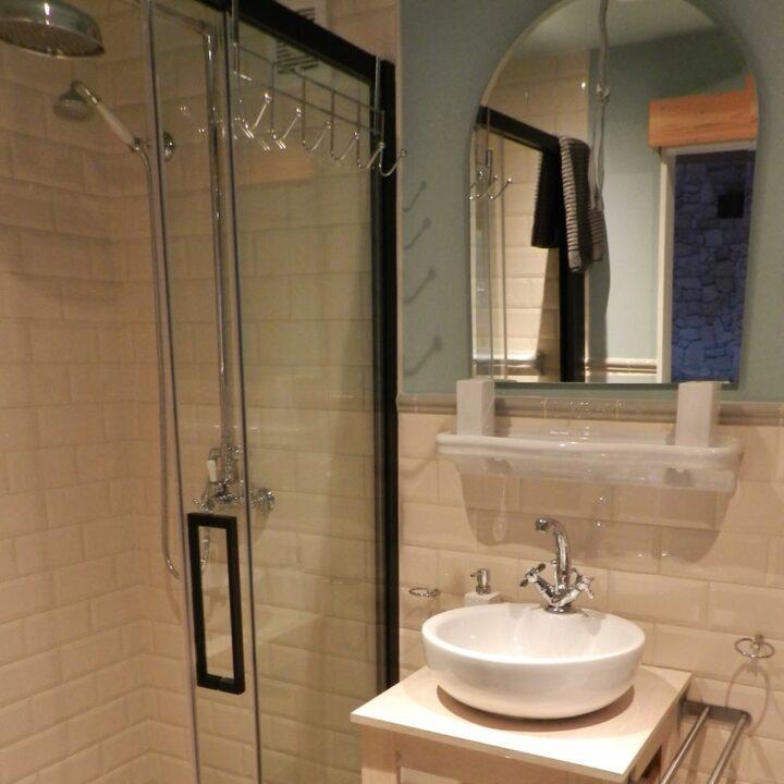 Badkamer in het tiny house op Tholen