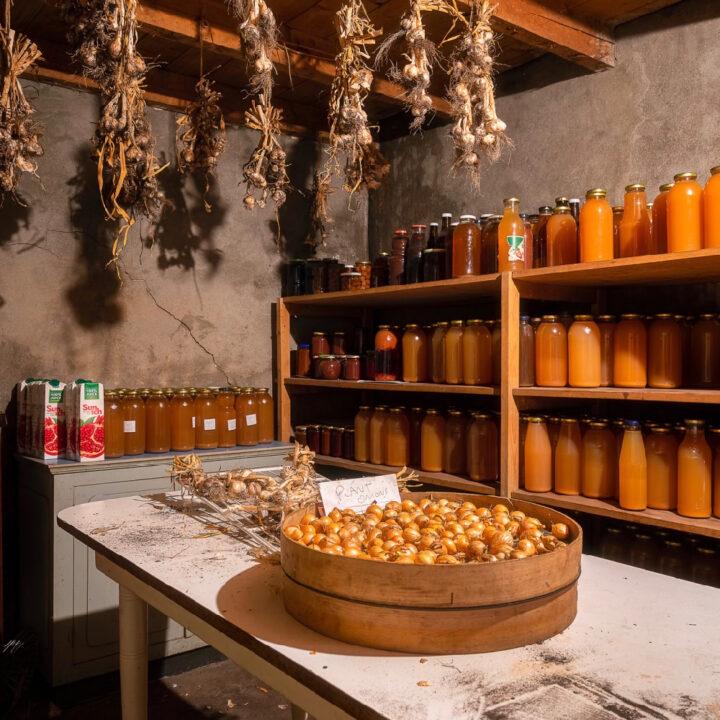 Bij Klooster de Weyst in Handel kun je producten uit eigen tuin kopen