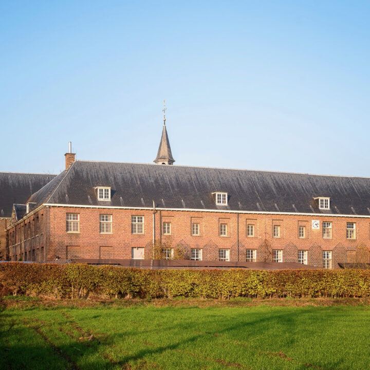 Groot klooster in Brabant