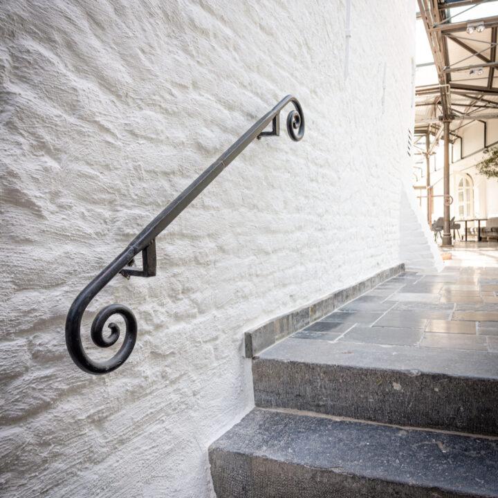Historische trap in het kasteelhotel