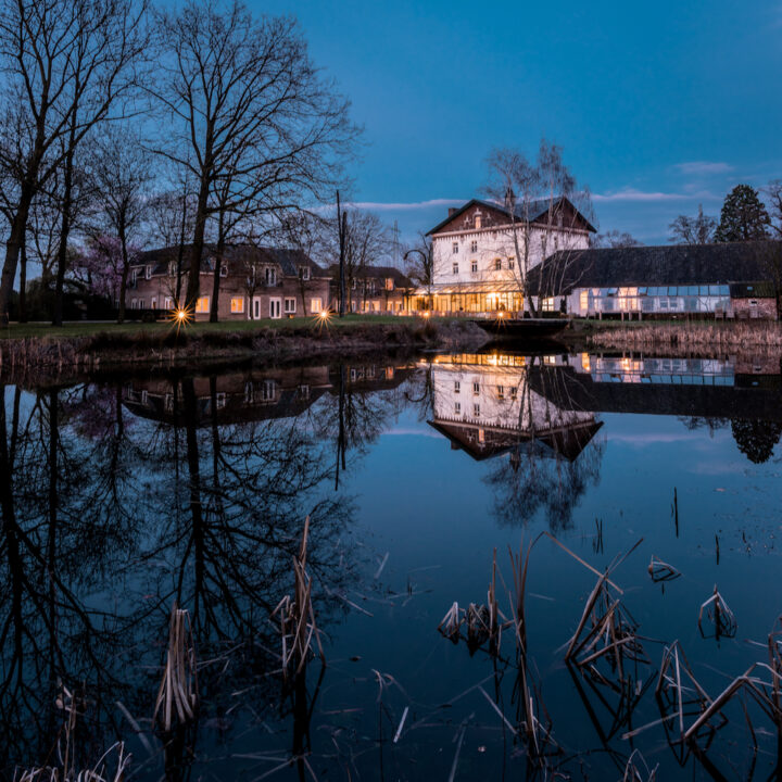 Kasteelhotel by night