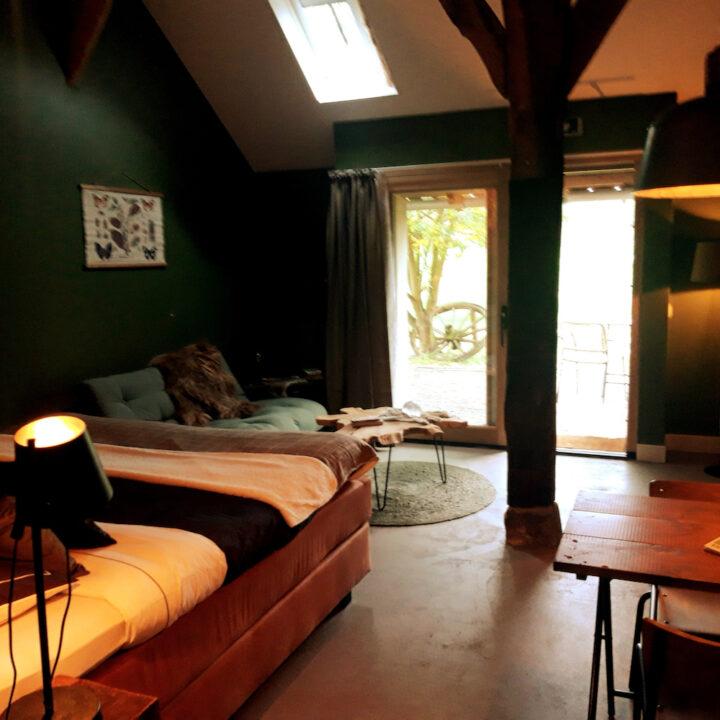 B&B kamer in warme kleuren