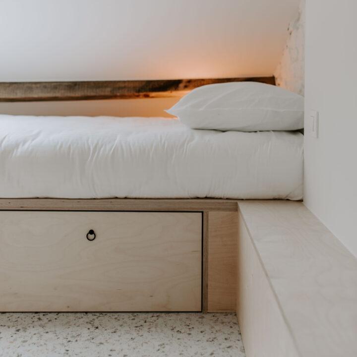Slaapzolder met vier bedden
