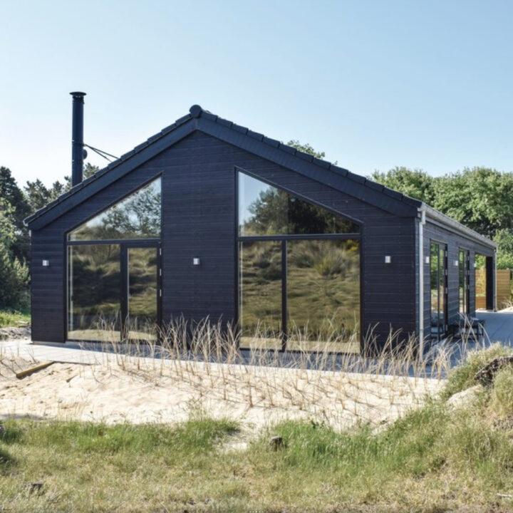 Modern vakantiehuis in duingebied bij badplaats Blåvand