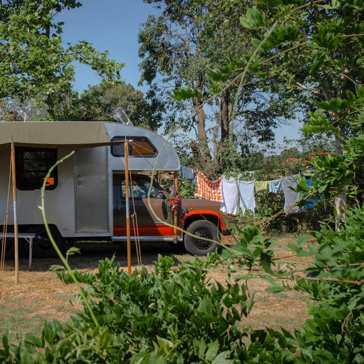 Camper in de natuurtuin
