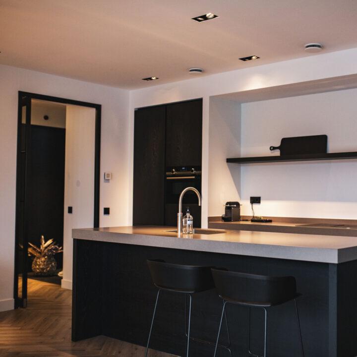 Keuken van alle luxe voorzien in de Watervilla's Kortenhoef