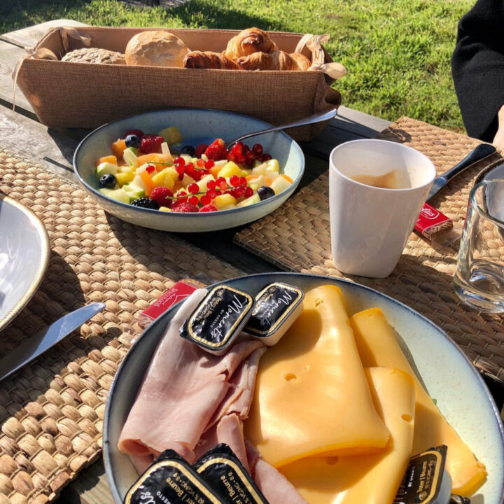 Ontbijt in de ochtendzon