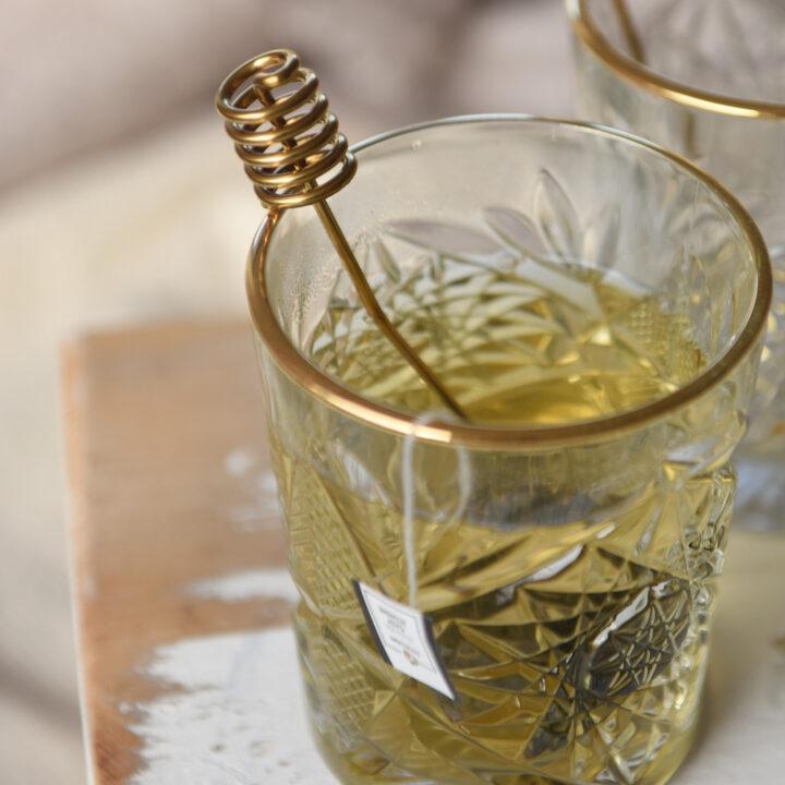 Kopje thee met gouden randje