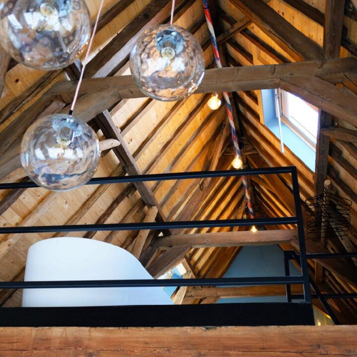 Vide met bad in het appartement van Number 9 in Middelburg