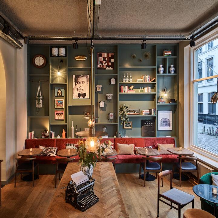 Lounge en bar in hotel in Deventer